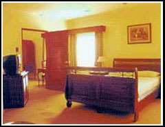 Grand Seasons Hotel room 2